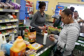 popular grocery stores walmart america s biggest grocery store america s lowest rated