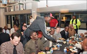 bulls and deng serve thanksgiving dinner to more than 700 guests