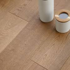 B And Q Flooring Laminate Colours Rondo Natural Oak Effect Wood Top Layer Flooring 1 14 M