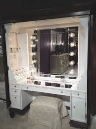 Bedroom Vanity Sets With Lighted Mirror Bedroom Vanity Sets With Lighted Mirror Pictures Fascinating For