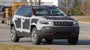 jeep trailhawk jeep cherokee trailhawk spy shots motor1 com photos