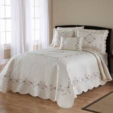 Bedding At Bed Bath And Beyond Buy Bedspreads Quilts From Bed Bath U0026 Beyond