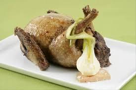 cuisiner du pigeon recette de pigeon désossé farci au foie gras facile