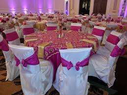 fuschia pink table cloth pink table cloth pink gold paisley overlay gold napkin