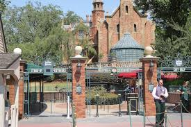classic haunted mansion sign gone wdwmagic unofficial walt
