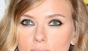 scarlett johansson certainly has the blond femme fatale thing down
