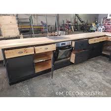 cuisine bois acier cuisine industrielle porte en acier bleuté et bois massif m déco