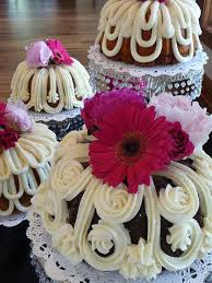 decorated bundt cakes decorated wedding bundts large jpg fun