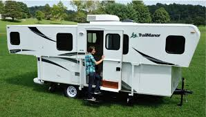 trailmanor 2417ks with slide out living room campers pop up