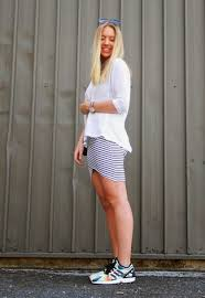 how to wear a white and navy horizontal striped bodycon dress 11