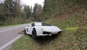 lamborghini gallardo lp560 4 spyder lamborghini gallardo lp560 4 spyder crashes in switzerland gtspirit