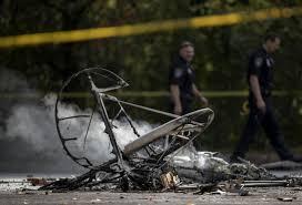 small plane crashes in eden prairie parking lot killing pilot