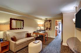 Sofa King Direct by 2 Room King Suite Accessible Eden Resort U0026 Suites