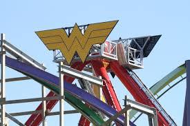 Six Flags Friends 2017 Neuheit Wonder Woman Giant Discovery Zamperla Six Flags