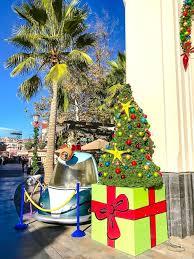 Universal Studios Christmas Ornaments - celebrating grinchmas 2016 at universal studios hollywood