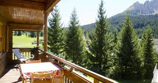 Wohnzimmer Bolzano Chalet Carezza Ferienwohnungen Booking Bolzano