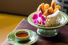 bar snack cuisine apinara cuisine and bar โครงการ groove เซ นทร ลเว ลด