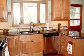 Maple Kitchen Cabinets by Maple Kitchen Cabinets With Granite Countertop