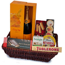 gift baskets for delivery international gift delivery to macedonia send 420 gifts to