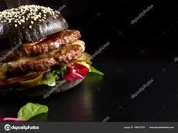 cuisiner chignon langue de boeuf noir hamburger de boeuf au piment jalapeno gros gros plan