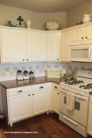 What Color White For Kitchen Cabinets Painted Kitchen Cabinets With White Appliances Countyrmp