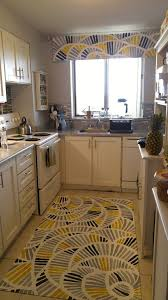 Tops Kitchen Cabinets by A Renter Wants To Brighten Up Her Boring Kitchen The End Result