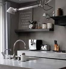 beton ciré mur cuisine du béton ciré taupe sur les murs d une cuisine grise