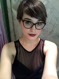 short hairstyles with glasses and bangs i m feeling like long hair really isn t worth it i miss my pixie