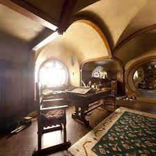 hobbit home interior best 25 hobbit house interior ideas on hobbit houses