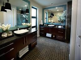 astonishing counry master bathroom ideas with flower decor