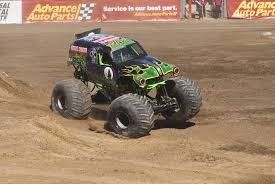 grave digger monster truck wallpaper grinder bad news travels fast monster mutt dalmatian mohawk