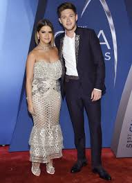 dierks bentley evelyn day bentley cmas 2017 maren morris and niall horan duet u0027seeing blind