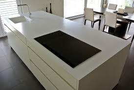 ilot cuisine sur mesure cuisine corian salle de bain corian crea diffusion