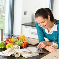 recherche recette de cuisine femme souriante recherche de recettes de cuisine de cuisson des