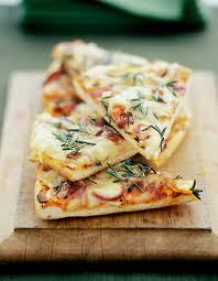 recettes de cuisine 2 pizza aux 4 fromages pour 2 personnes recettes à table
