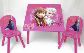 Chambre Reine Des Neiges by Disney Ensemble Table En Bois U0026 2 Chaises La Reine Des Neiges Elsa