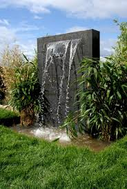 faire une fontaine cuisine la déco extérieure avec une fontaine murale archzine fr