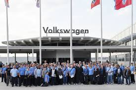 volkswagen chattanooga volkswagen hires half of 200 member variable workforce
