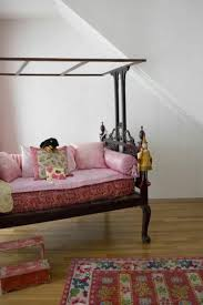 Girls Day Beds by 86 Best Diwans Images On Pinterest Indian Interiors Live And