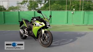 cbr r150 yamaha yzf r15 vs honda cbr 150r review choosemybike in