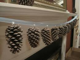 Easy Home Made Christmas Decorations by 20 Natural Elements To Decorate With At Home
