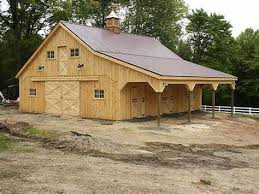 Red Barn In Loxahatchee Fl Red Barn Green Roof White Trim Raised In A Barn Pinterest