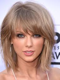 taylor swift lob haircut how taylor swift s hair journey from wavy lob to classic bob