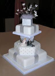 Square Wedding Cakes Best 25 Silver Square Wedding Cakes Ideas On Pinterest Silver