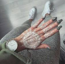 20 jaw dropping white henna tattoos styleoholic