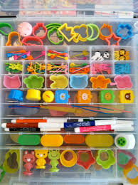 great visual of small bento tools in a typical craft hobby box