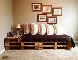 sofa paletten diy möbel sofa aus paletten eingebauter tisch bilder paletten