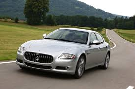gold maserati quattroporte new maserati quattroporte makes its world debut scoop news