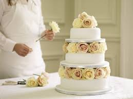 budget wedding cakes eight afforable wedding cakes from waitrose my wedding scrapbook