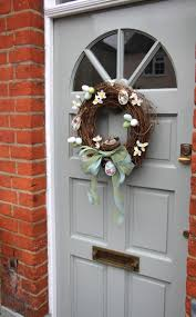 Easter Door Decorations Uk by How To Decorate An Easter Wreath Gisela Graham Ltd